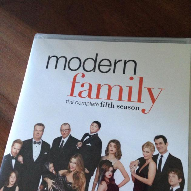 I'm thankful for Modern Family today. No matter my mood it always cheer me up.